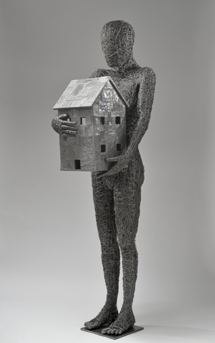 Fabrizio Pozzoli, Mother home, 2013. Filo di ferro, piombo, legno, cm 173x54x65