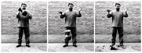 Ai Weiwei, Dropping a Han-Dynasty urn, 1995