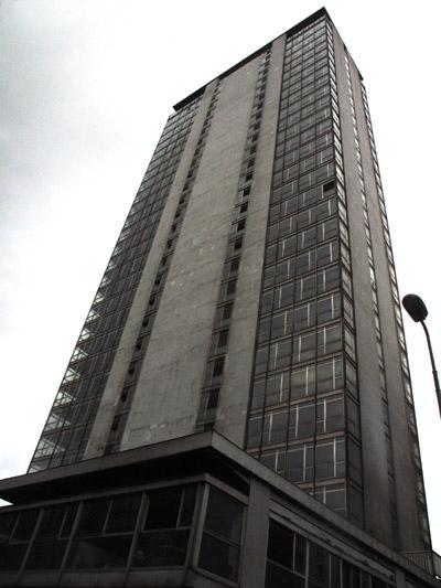 La torre Galfa a Milano
