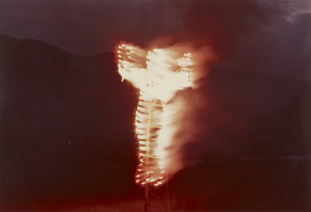 Silueta de Cohetes, 1976Fotografia a colori, stampa originale 20,3X25,4 cmFondazione per l'arte moderna e contemporanea CRT in comodato al Castello di Rivoli e Gam