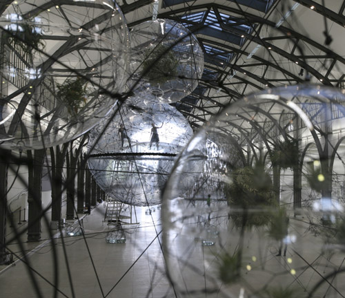 Tomas Saraceno, Cloud Cities, 2011
