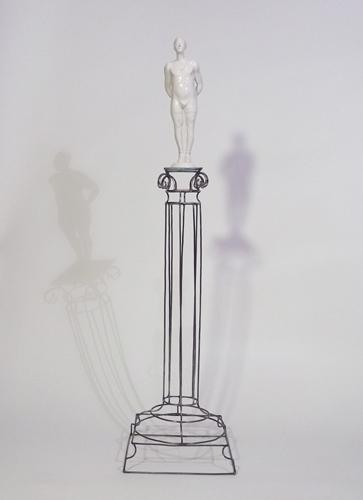 Roberto Fanari, L'atleta, 2013. Resina, filo di ferro cotto, cm 110x30x30