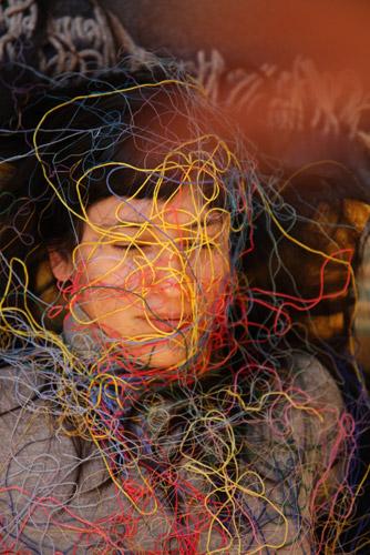"""Paola Anzichè, Sur les traces de Lygia Clark. Souvenirs et évocations de ses années parisiennes, 2011, Film in DVD, 25'07"""" Photo: Paola Anziché"""