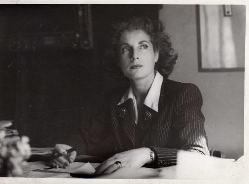 Palma Bucarelli nel suo studio. Foto di Giammarco Roma