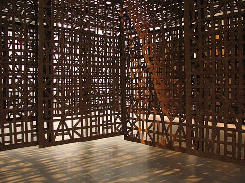 Cristina Iglesias, Suspended corridor III, 2006
