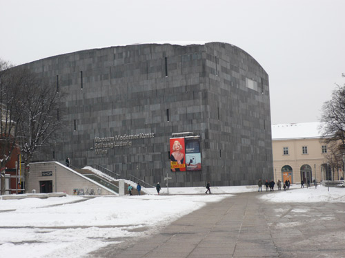 Momok, Museum Moderner Kunst Stiftung Ludwig Wien (Ortner & Ortner Architekten) MuseumQuartier, Vienna