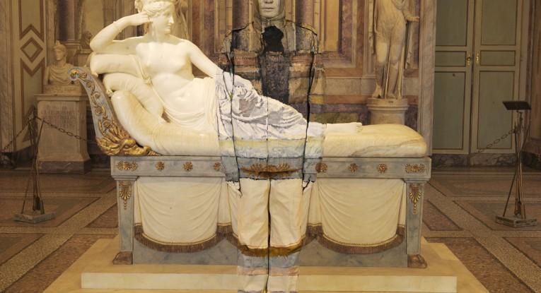 Liu Bolin Paolina Bonaparte Borghese, Galleria Borghese, Roma  2012 Digital print 120x90 cm Galleria: Photo&Contemporary
