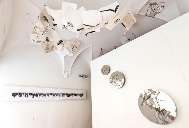 Installazioni di Fausto Gilberti, Marco Nereo Rotelli e Luca Buvoli in mostra al Caffè Florian, Firenze
