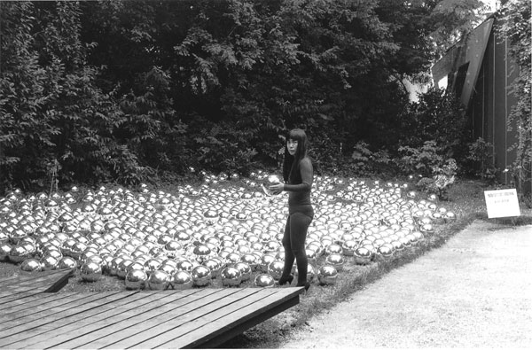 Yayoi Kusama, Narcissus Garden