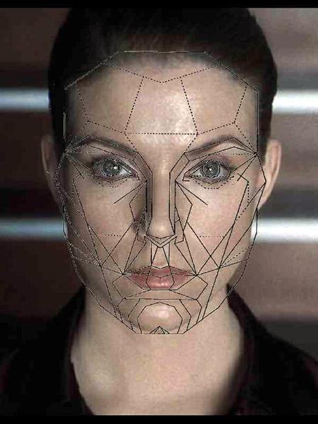 Maschera di Marquard sovrapposta all'immagine del volto di Claudia Katz tratta dal film di Steven Spielberg A.I. Artificial Intelligence, USA 2001