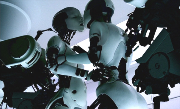 Chris Cunningham, All is full of love, video musicale in computer animation, 1999
