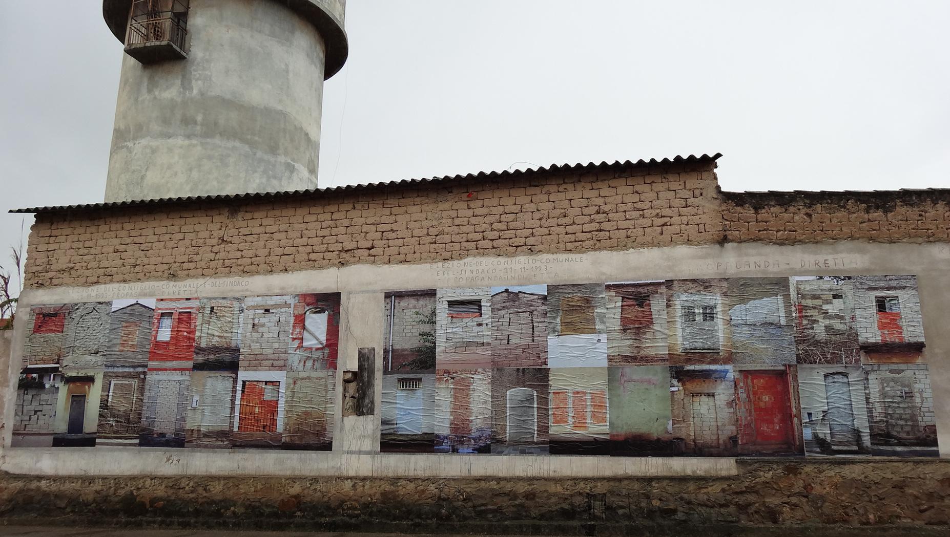 Andrea Kalinova, Enter, 2013. 32 fotografie digitali, installazione site specific, Le Ville Matte 2013
