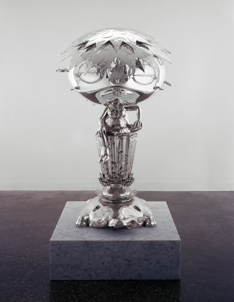 Takashi Murakami, Oval Buddha Silver, 2008 Sterling Silver 1365 x 805 x 780 mm Courtesy Blum & Poe, Los Angeles (c)2008 Takashi Murakami/Kaikai Kiki Co., Ltd. All Rights Reserved.