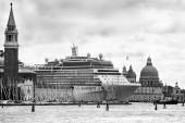 Gianni Berengo Gardin – Mostri a Venezia