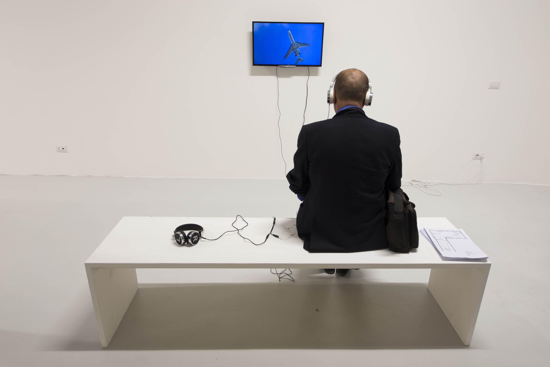 Eli Cortinas, The one who walks. Foto Giorgio Benni. Courtesy Galleria Spazio artQ13