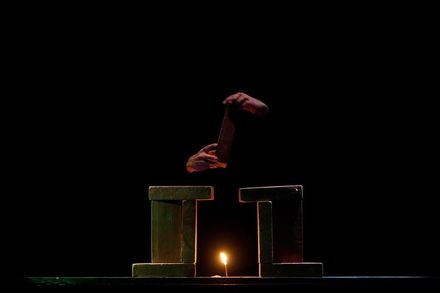 Mura, Riccardo Caporossi. Copyright Festival Teatro di Napoli di Napoli