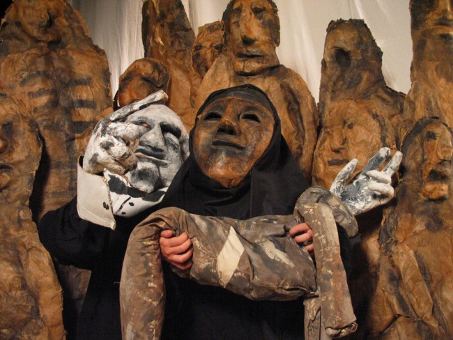 The Bread and Puppet Theatre, Tableau of three puppets © Jonathan Slaff