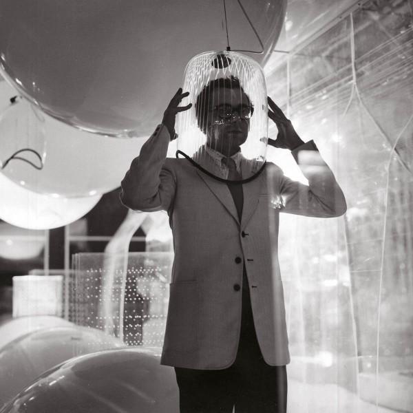 Ugo La Pietra, Immersione - Caschi sonori. Installazione alla Triennale di Milano (con Paolo Rizzatto), 1968. Courtesy Archivio Ugo La Pietra