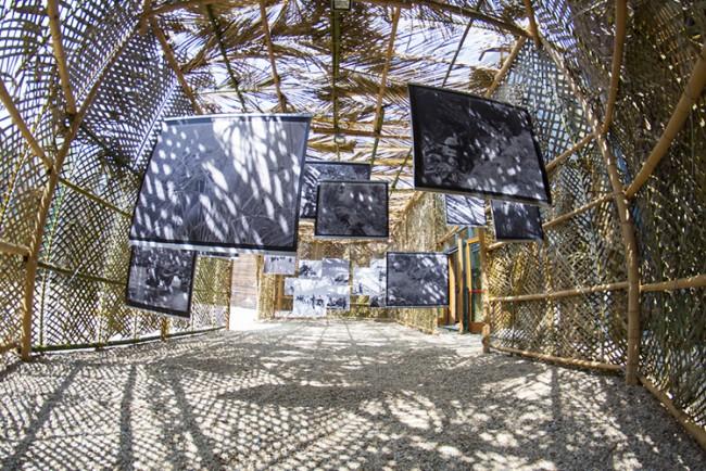 RozO (Philippe Zourgane e Severine Roussel), When vegetation is not a decoration, 2014, architettura vegetale, foglie di palma e bambù realizzata da Camille Sevaye, P. Batoon