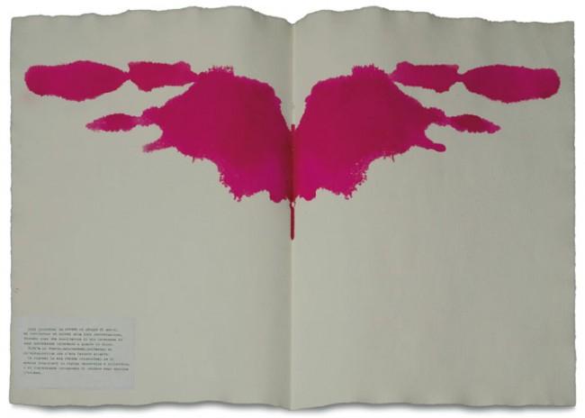 Macchie di Rorschach, 1976, acrilico su carta a mano, carta e inchiostro, assemblaggio, cm 56x76, collezione privata. Foto: Annalisa Guidetti e Giovanni Ricci, Milano
