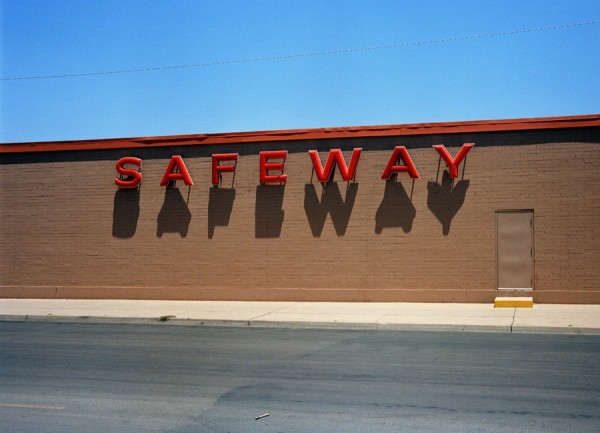 Wim Wenders. 'Safeway', Corpus Christie, Texas © for the reproduced works and texts by Wim Wenders: Wim Wenders/Wenders Images/Verlag der Autoren, 1983