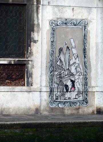 Ella et Pitr, 2011, Venezia. Collage denuniato, poi reincollato dopo una negoziazione con la polizia veneziana.
