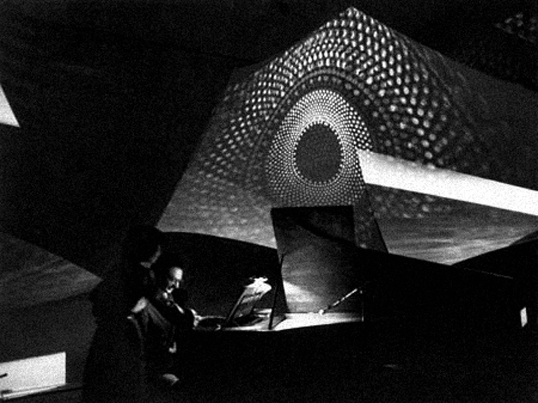 HPSCHD, Lejaren Hiller and John Cage.  Foto live del 1969