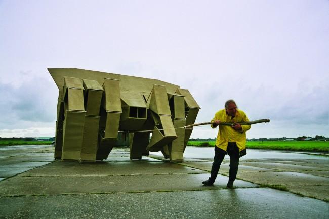 Theo Jansen, Animaris, scultura robotica, 1980-2000 (II).