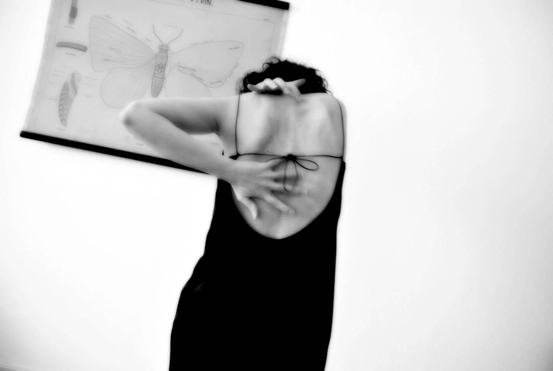 DUFT: metamorfosi olfattiva di un gesto danzato, Studio di teatro-danza di Anna D'Errico, attrice e ricercatrice in neuroscienze presso il Max Planck Institute of Biophysics di Francoforte