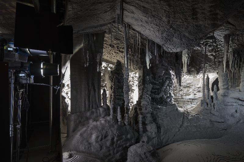 Veduta dell'installazione permanente Processo grottesco di Thomas Demand. Fondazione Prada Milano, 2015. Foto: Attilio Maranzano. Courtesy Fondazione Prada
