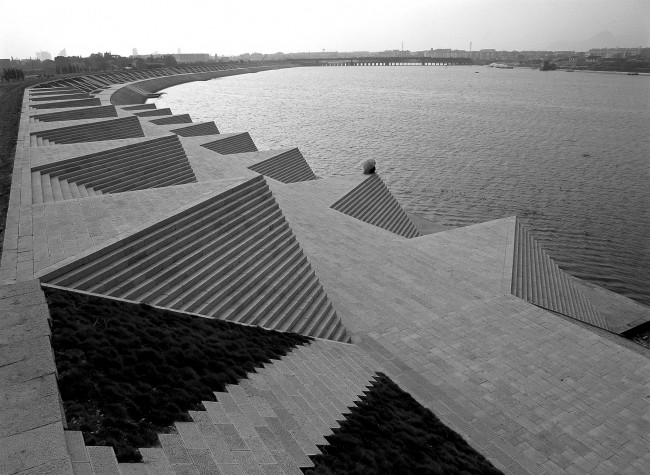 Ai Weiwei, Jinhua Jindong Yiwu River Dam, 2002, Jinhua, China