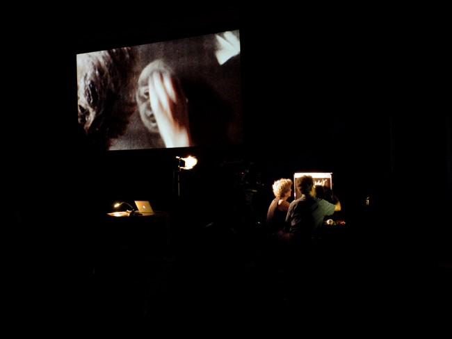 Michèle Lemieux e Jacques Drouin durante la dimostrazione sullo schermo di spilli, Annecy 2015