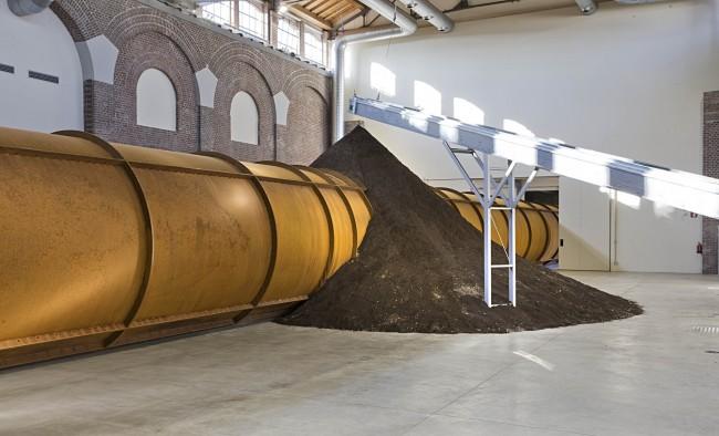 Anish Kapoor Dirty Corner (particolare), 2011 installazione site-specific nella Cattedrale della Fabbrica del Vapore - Milano, photo: Andrea Melzi