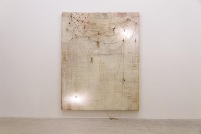 Lawrence Carroll, Untitled, 2013. Courtesy Galerie Karsten Greve, Colonia. Foto © Mario Ciaramitaro