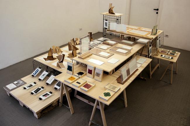 SPAZIENNE +N4 formato, visione della mostra,Venerdì 24 aprile 2015, spazio Carnì, Via Tortona 20, 20144 Milano © SPAZIENNE