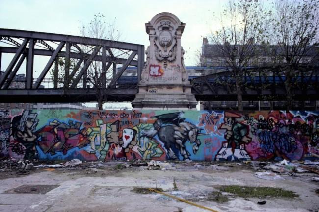 Lo Stalingrad di Parigi con la metro sullo sfondo, anni Ottanta, photo by Julien Rebucci