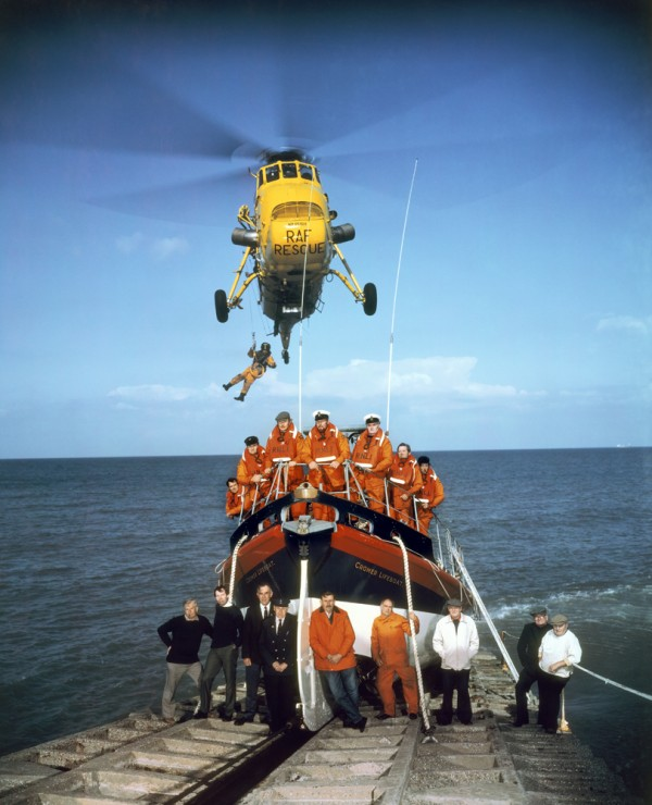 Neal Slavin Squadre di salvataggio del Royal National Lifeboat Institution Cromer, Contea di Norfolk © Neal Slavin