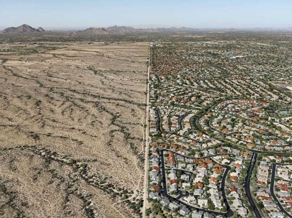 Riserva indiana Salt River Pima – Maricopa Sobborghi di Scottsdale, Arizona, USA 2011 © Edward Burtynsky / courtesy Admira, Milano