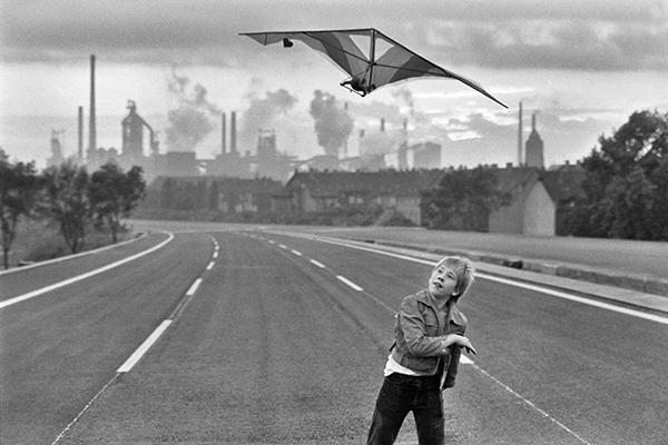 Rudi Meisel, Autobahn 42 vor der Freigabe, August-Thyssen-Hütte, Duisburg-Bruckhausen, 1979
