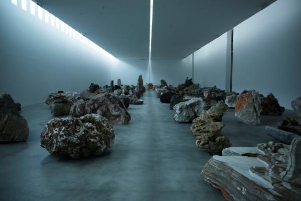 Adrián Villar Rojas, Rinascimento, 2015, Fondazione Sandretto Re Rebaudengo, photo di Paolo Saglia