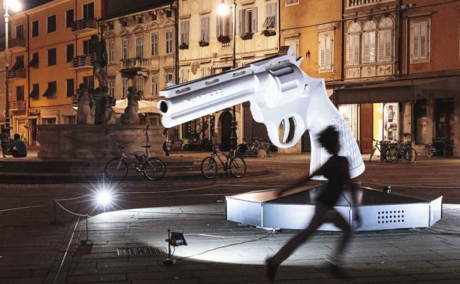 Miek Uittenhout, XANTIPPE, installazione, grande pistola interattiva, InVisible Cities 2015