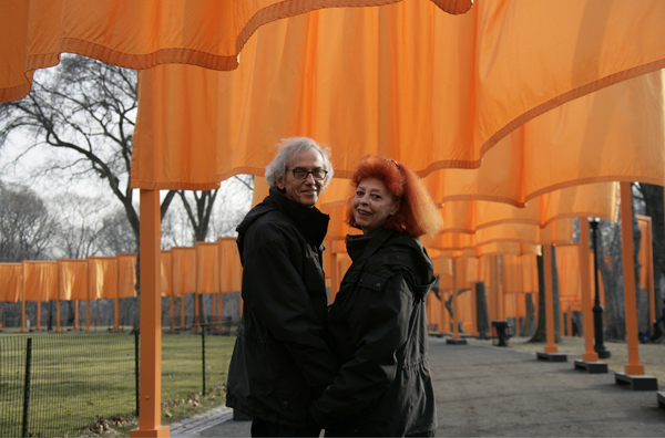 "Christo et Jeanne–Claude during the work of art ""The Gates, Central Park, New York City, 1979-2005"" Photo Wolfgang Voltz © Christo 2005"