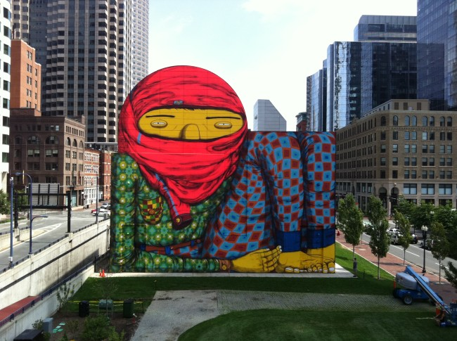 Giant, Boston, USA (2012). Courtesy OSGEMEOS