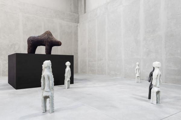 Theaster Gates, Boli, a Portion of the Team Lives in Heaven, 2014. Immagini della mostra, 2016 Fondazione Prada, Milano. Foto Delfino Sisto Legnani Studio. Courtesy Fondazione Prada