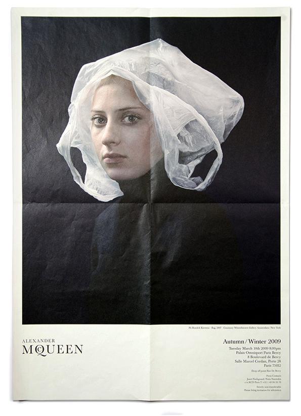 Alexander McQueen FW 2009 show invitation – ph. Hendrik Kerstens