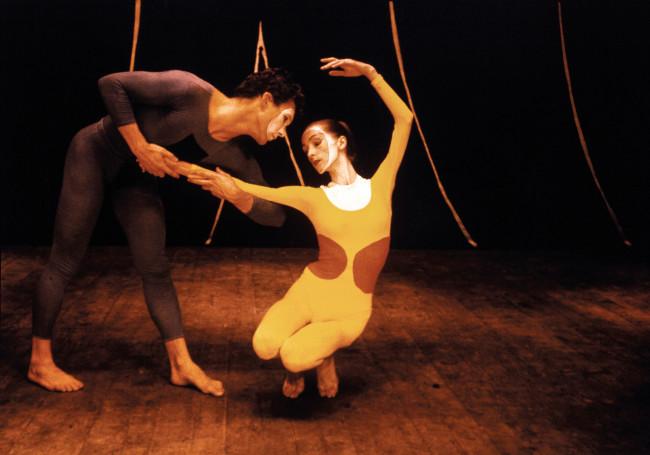 Fotografo sconosciuto, Tablet – coreografia di Paul Taylor. Costumi di Pina Bausch e Dan Wagoner realizzati da Ellsworth Kelly. Spoleto, Italia, 1960 © Pina Bausch Foundation