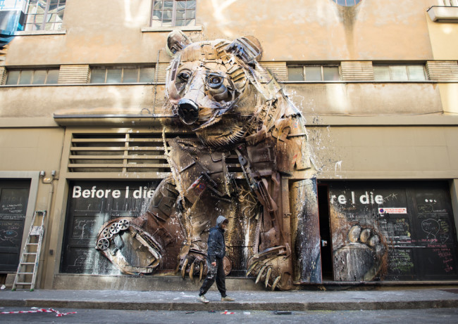 Bordalo II, The Bear, Teatro Colosseo, ph Livio Ninni