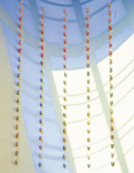 Alfredo Pirri, Facce di gomma, 1993, Latice di gomma e tempera, 100 elementi. Courtesy l'artista e Tucci Russo - Studio per l'arte contemporanea, Torre Pellice © photo Aurelio Amendola
