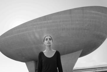 Shirin Neshat e Jan Fabre, il dolore e il sarcasmo