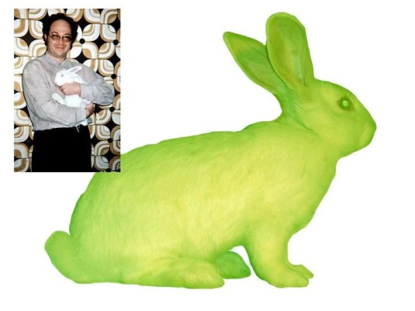 """GFP Bunny"", Alba, coniglio fluorescente, 2000. Photo: Chrystelle Fontaine"